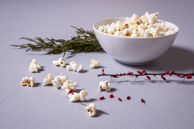 DIY Popcorn Garland - Homemade Garland