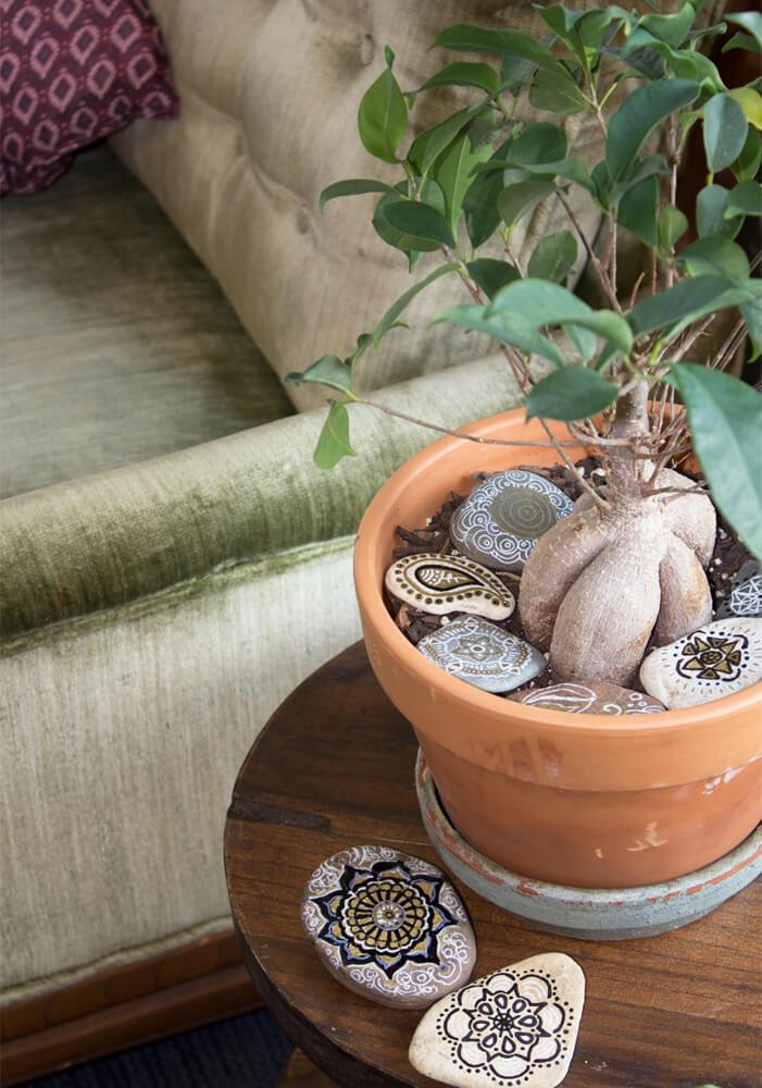 IMG 8514 - DIY: Mandala Garden Stones