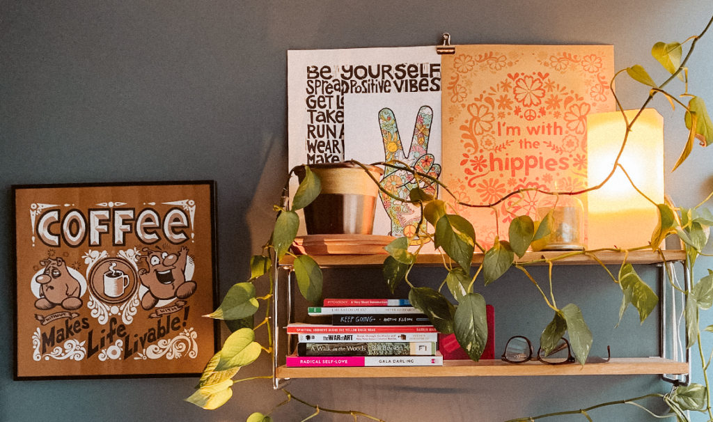 artsy home decor 1024x606 - Free Printable Coloring Page: Peace Fingers
