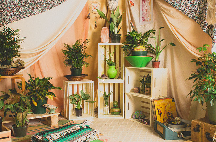 bohemian tent diy 7 760x500 - Bohemian Tent DIY - How to Make a Boho Tent