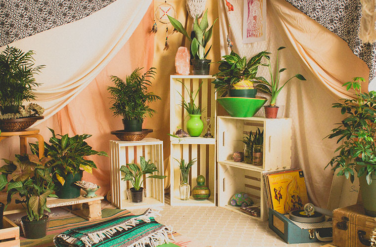 bohemian tent diy 7 - Bohemian Tent DIY - How to Make a Boho Tent