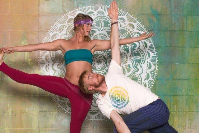 goldie curtis bts 640x430 - Ethics & Yoga Clothes