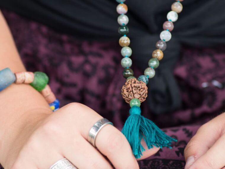 how to wear mala moss agate 760x570 - How to Wear Mala Beads - Wearing a Mala - Soul Flower
